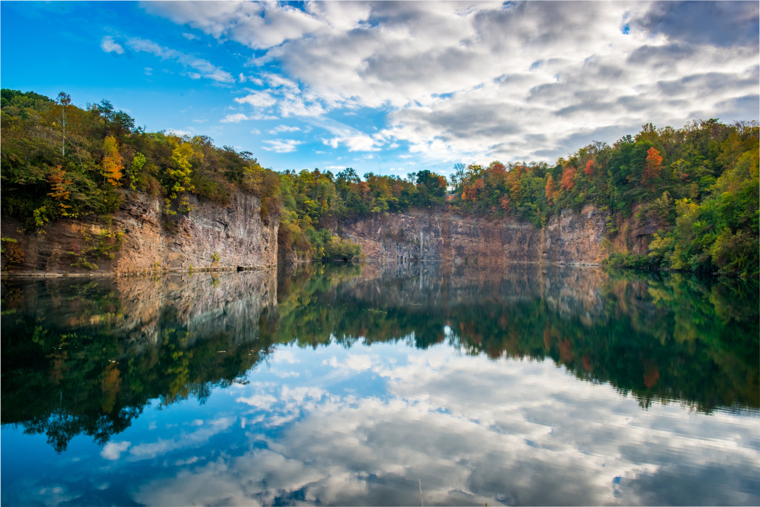 Fort Dickerson Quarry Lake